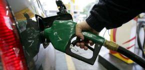 Gasolina sobe nos postos mesmo após estatal reduzir valor