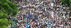 Estudantes boicotam aulas em Hong Kong e marcham pela democracia