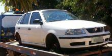 """Veículo é encontrado """"depenado"""" em meio a milharal em Campo Novo"""